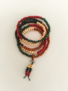 Grand mala (216 perles)multicolore 10 €
